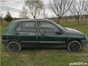 Dezmembrez Renault Clio 1.2 an 95 - imagine 3