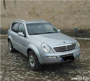 Ssangyong Rexton 4x4 SUV off road  - imagine 2