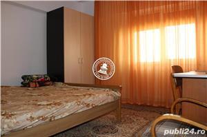Apartament 3 camere  de vanzare  Centru, - imagine 3