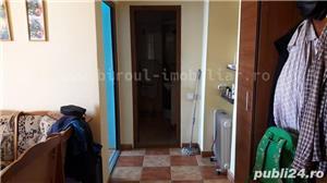 Vanzare apartament 2 camere decomandat la FAR cu vedere la mare/port - imagine 5