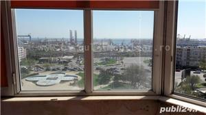 Vanzare apartament 2 camere decomandat la FAR cu vedere la mare/port - imagine 1