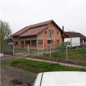 Vand casa cu gradini - imagine 1