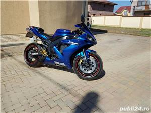 Yamaha YZF R1 - imagine 1