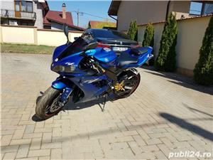 Yamaha YZF R1 - imagine 2