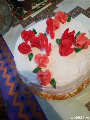 Prajiturii si tort - imagine 3