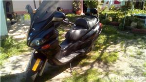 Honda Piaggio X 9 250 cm3 - imagine 1