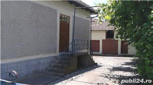 (110) Casa langa Manastirea Aninoasa, Arges - imagine 2