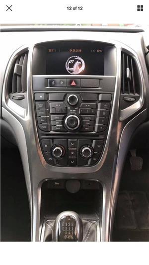 Dezmembrez Opel Astra J 2011 - imagine 5