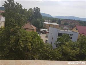 Vand Apartament cu 3 camere - Oravita, Zona-Garii - imagine 2
