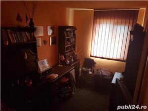 Vand Apartament cu 3 camere - Oravita, Zona-Garii - imagine 8