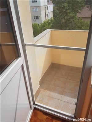 Vand Apartament cu 3 camere - Oravita, Zona-Garii - imagine 5