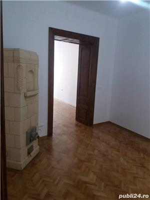 Piata Sfatului apartament in casa renovat recent - imagine 5