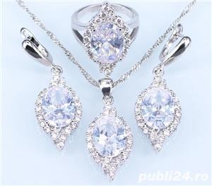 Set bijuterii din argint cu piatra din Opal - imagine 1