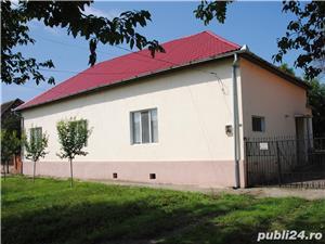 Casa in Teremia Mare - 4 camere, 2 bai, incalzire centrala, garaj - imagine 2