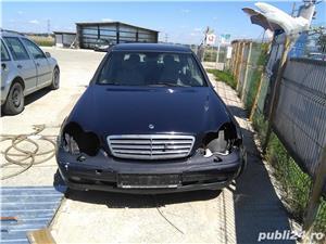 Dezmembrez Mercedes Benz C200 Kompressor w203 - imagine 1