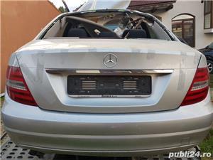 Dezmembrez Mercedes C 200 CDI - imagine 2