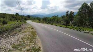 2300mp super teren intravilan cu utilitati, munte,rau,padure,strada asfaltata,zona turistica curata - imagine 3