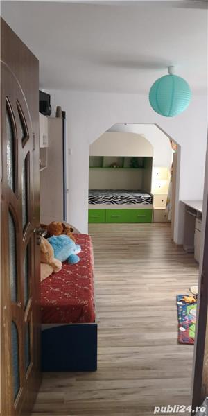 Vand curte cu casa  - imagine 4