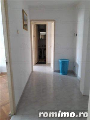 Aradului Est,apart 4 camere decomandat,et 3/4,92 mp,centrala.clima,garaj,85000 euro - imagine 2