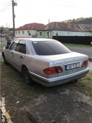 Mercedes-Benz E 220 - imagine 1