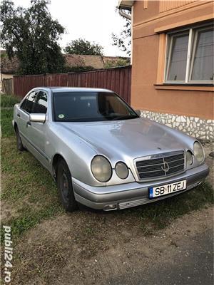Mercedes-Benz E 220 - imagine 5