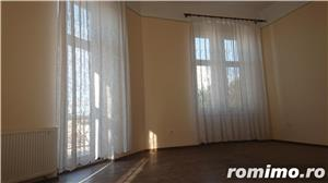 Apartament in cladire istorica, renovat. - imagine 4