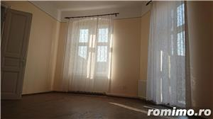 Apartament in cladire istorica, renovat. - imagine 3