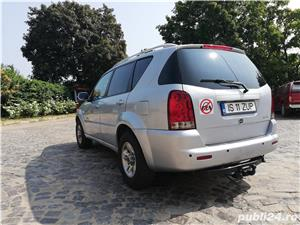 Ssangyong Rexton 4x4 SUV off road  - imagine 11