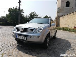 Ssangyong Rexton 4x4 SUV off road  - imagine 7
