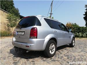 Ssangyong Rexton 4x4 SUV off road  - imagine 9