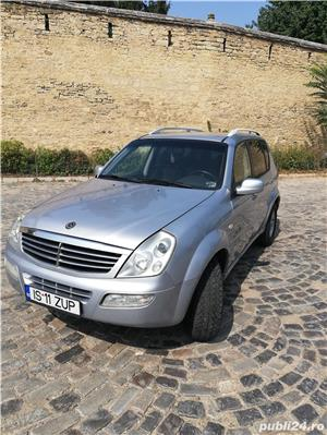 Ssangyong Rexton 4x4 SUV off road  - imagine 15