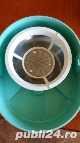 Storcator de fructe si legume DeLonghi RoboDiet Compact KC280, 170 W, Recipient suc 0.5 l, Verde - imagine 3