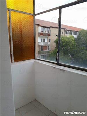 Aradului Est,apart 4 camere decomandat,et 3/4,92 mp,centrala.clima,garaj,85000 euro - imagine 10