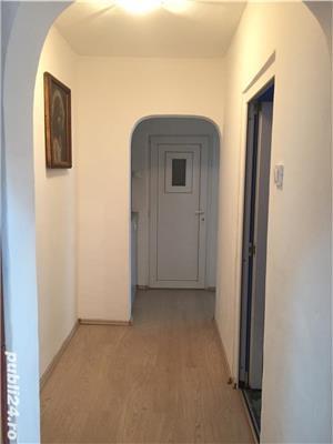 Dau in chirie apartament 3 camere B-dul Dacia Oradea - imagine 4