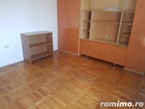 Apartament 2 camere, decomandat, ultracentral - imagine 3