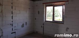 Casa la gri zona Barabant - imagine 9
