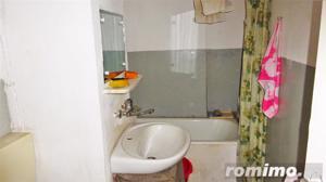 Apartament 2 camere,decomandat, M-uri - imagine 4