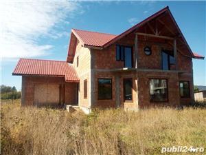 Casa la rosu in Busag, 180 mp, inchisa cu termopan si tencuita - imagine 2
