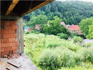 Vila la rosu cu teren - imagine 10