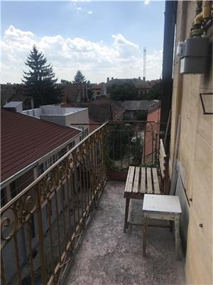 Vand  apartament 2 camere ultracentral la parter - imagine 10