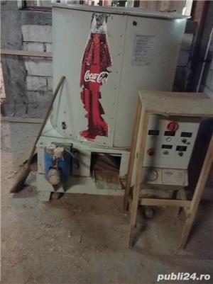 Masina de brichetat de provenienta italiana - imagine 2