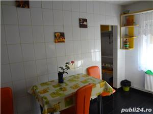 VAND apartament 3 camere - imagine 8