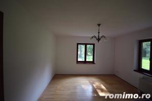 Vilă exclusivista cu 8 camere de vânzare intr-o oaza de liniste - imagine 5