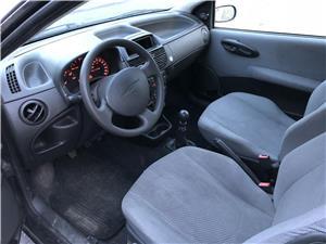 Fiat Punto 1.2 benzina an 2004 - imagine 4