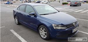VW JETTA. 2012.DISEL-Cutie AUTOMATA DSG II-Dotari TOP. Impecabila.Limousine culoare Blue Electric - imagine 2