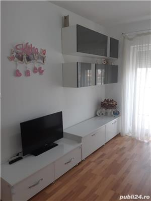 PROPRIETAR de vanzare apartament cu 2 camere decomandat zona modern - imagine 8