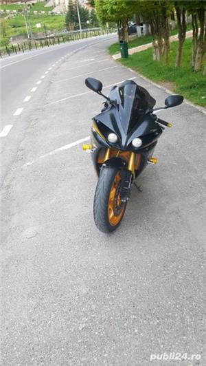 Yamaha R1 - imagine 6