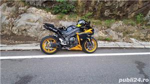 Yamaha R1 - imagine 3