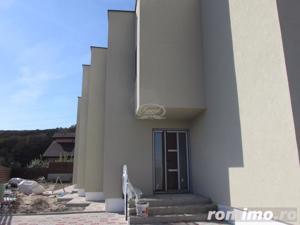 Apartament in vila cu 2 apartamente in zona Campului - imagine 2