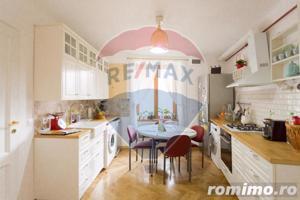 Apartament cu 3 camere cu vedere in Piateta istorica. - imagine 2